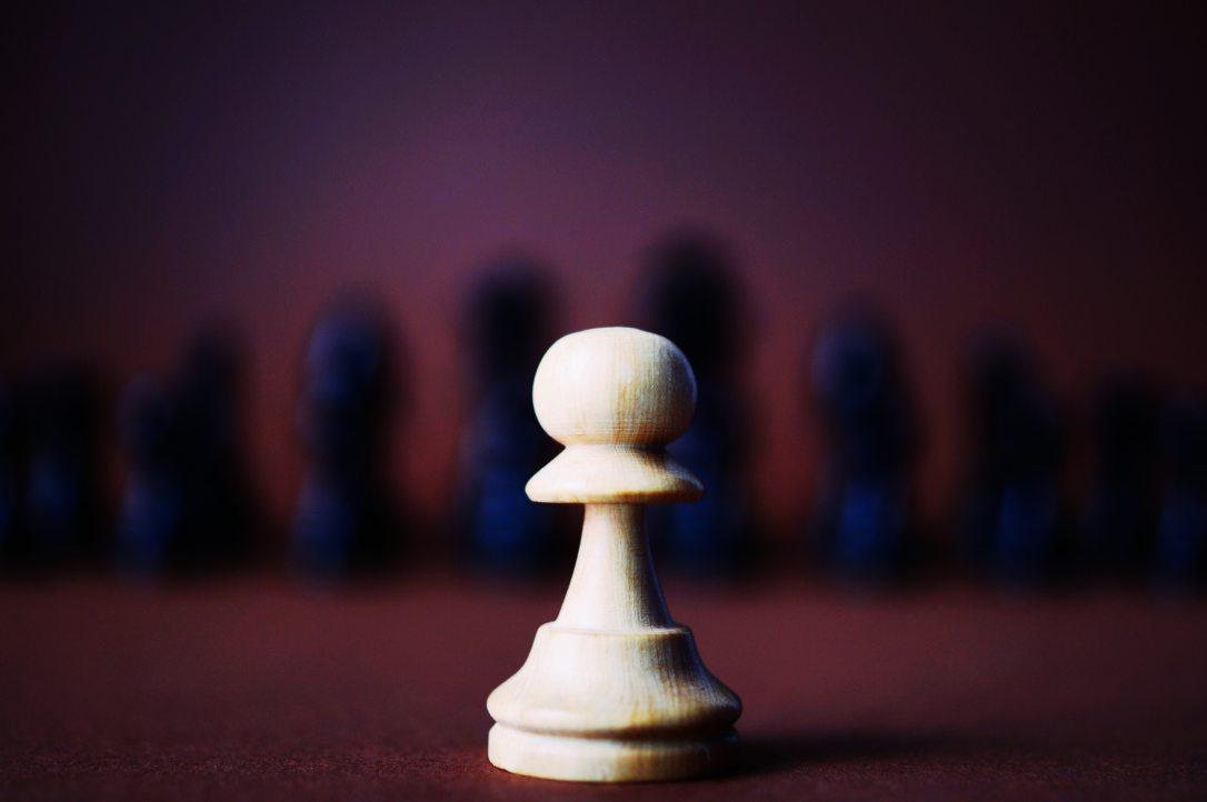 blur-board-game-carved-wood-136349